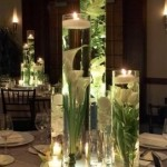 arranjos de flores e velas flutuantes - mini casamento